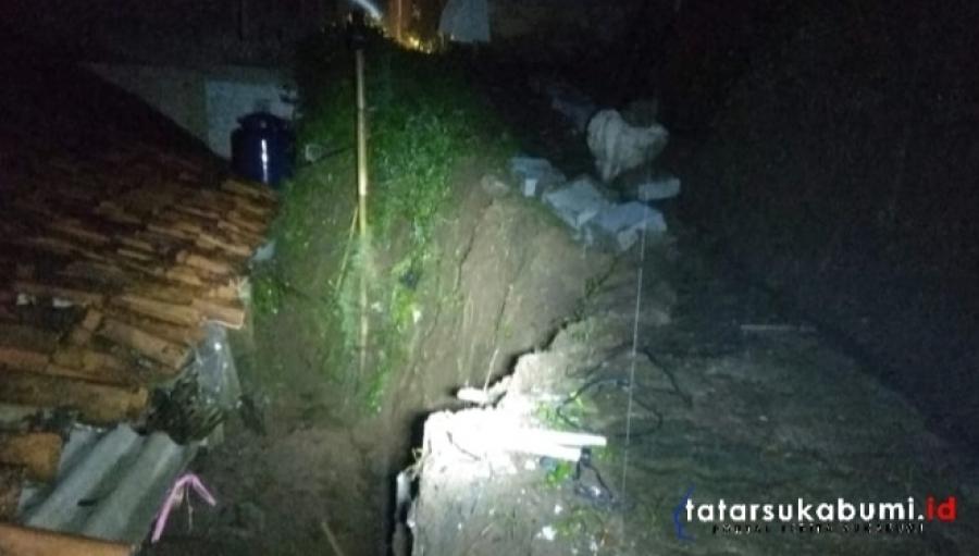 Jalan Gang Ambruk Timpa Rumah Warga Nagrak Sukabumi