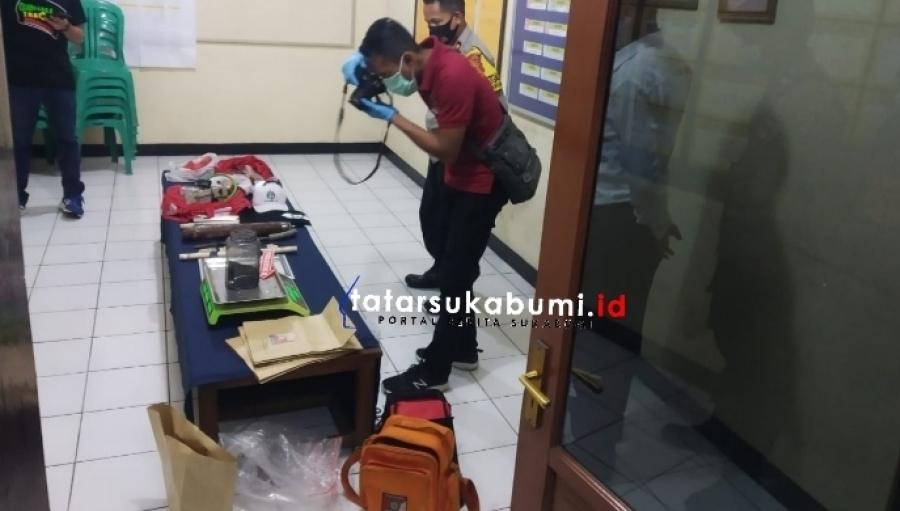 Pengembangan Penangkapan Pria oleh Densus 88 di Jakarta Polisi Amankan Sejumlah Barang dari Rumah Terduga di Sukabumi