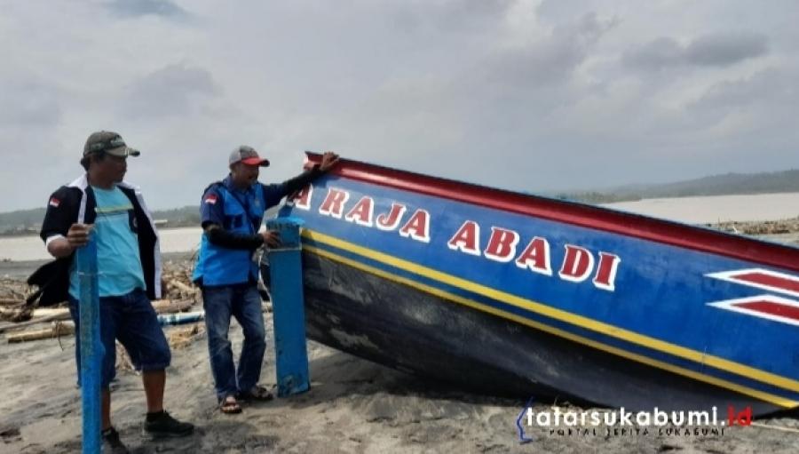 Gelombang Tinggi Laut Hantam Kapal 2 Nelayan Tenggelam di Perairan Cibuni Tegalbuleud