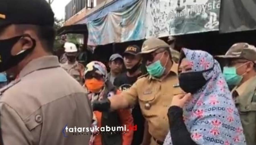 Tinjau Lokasi Bencana Cicurug, Bupati Sukabumi Sebut Beberapa Pemicu Terjangan Banjir Bandang