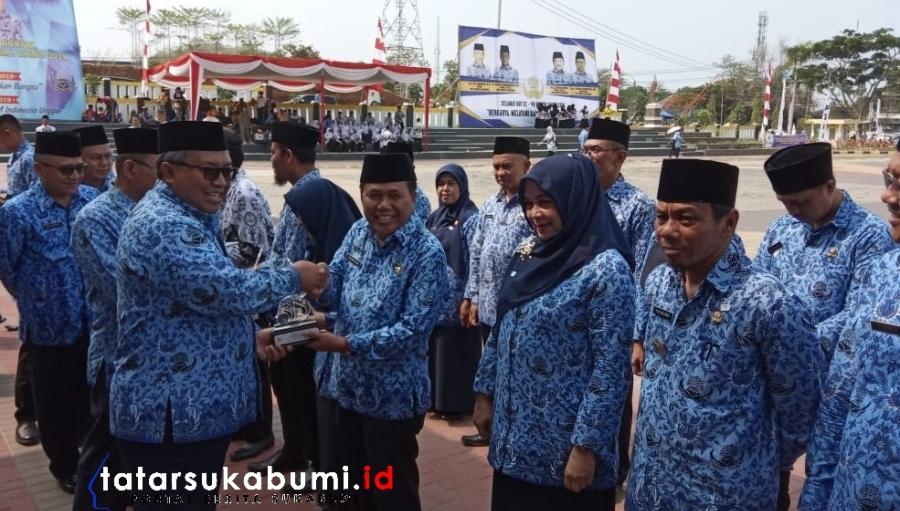 HUT PGRI dan KORPRI Kabupaten Sukabumi Guru Honorer Dapat BPJS