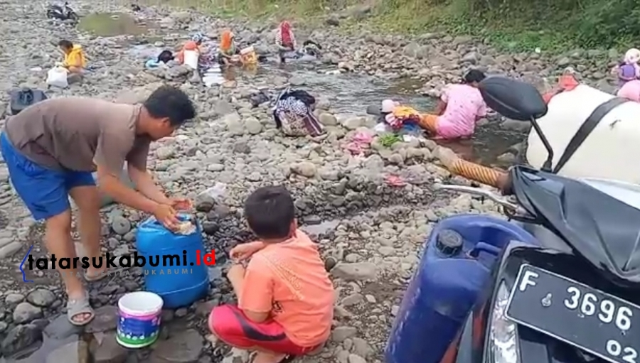 Krisis Air Bersih di Cidadap Sukabumi, Warga Minum Air Sungai