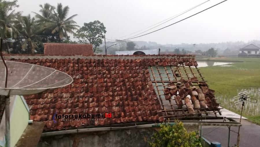 Angin Puting Beliung Terjang Cibadak 7 Rumah Rusak