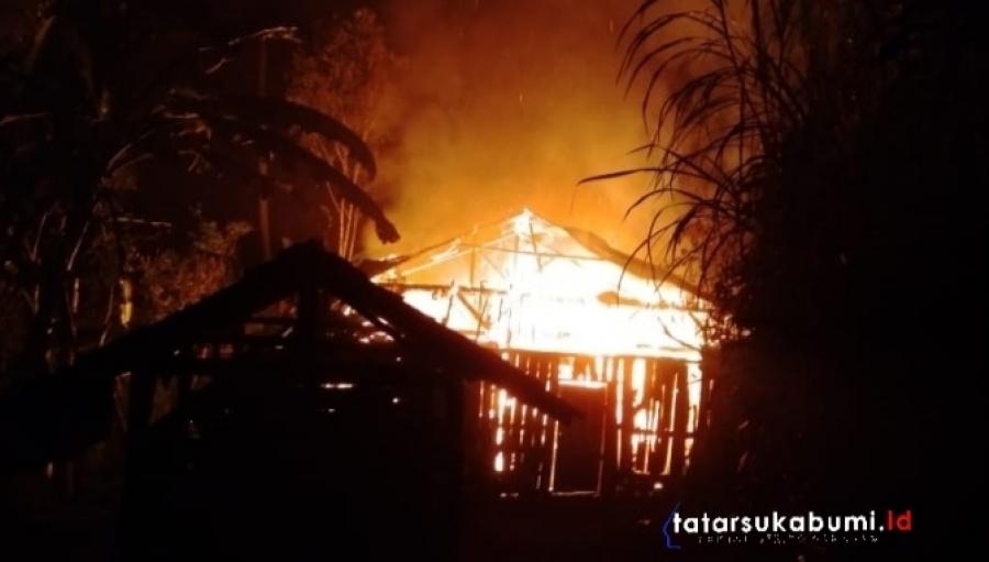 Rumah Warga Nyalindung Sukabumi Ludes Terbakar