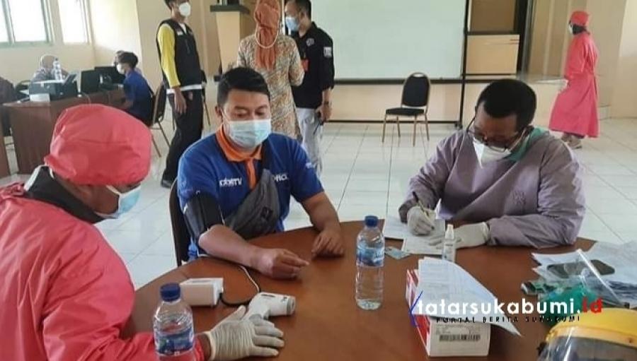 Jajaran DKIP Kabupaten Sukabumi Divaksin Sinovac