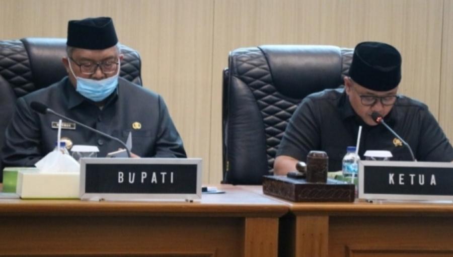 Paripurna DPRD Kabupaten Sukabumi, Bupati Sampaikan Nota Jawaban atas Raperda Koperasi, RDTR, Retribusi Kendaraan dan P4GN