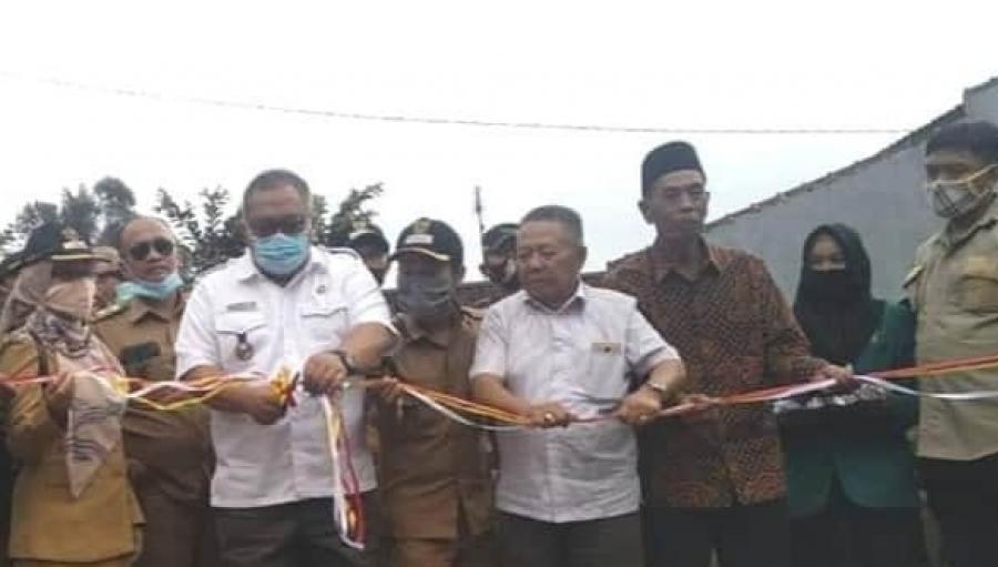 Bupati Sukabumi Resmikan Jalan Desa Ciengang Gegerbitung