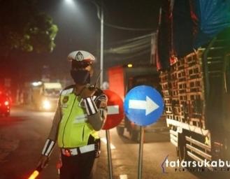 Tercyduck! Pemudik Gunakan Jasa Taksi Gelap Untuk Lolos Masuk Sukabumi