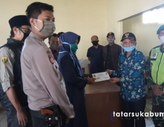 166 KK Warga Cibodas Bojonggenteng Terima BLT dari Dana Desa