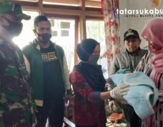 Geger! Warga Temukan Bayi di Mimbar Masjid di Sukabumi Diduga Sengaja Dibuang Orangtuanya