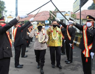 AKBP Sumarni Resmi Jabat Kapolres Sukabumi Kota Baru
