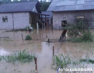 Breaking News! Banjir Kembali Terjang Sejumlah Desa di Cicurug Sukabumi