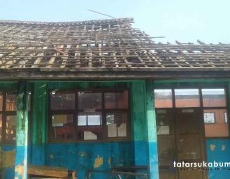 Sekolah Dasar Negeri di Sukabumi Belum Terjamah Pembangunan Sejak Ambruk 3 Bulan Lalu