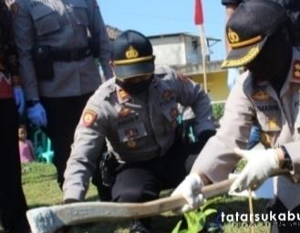 Bangun Zona Ketahanan Pangan Sekaligus Ciptakan Destinasi Argo Wisata Polres Sukabumi Kota Sambut HUT Bhayangkara 74 Tanam 1000 Pohon Buah