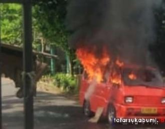 Penyebab Angkot Jurusan Parungkuda Parakansalak Terbakar
