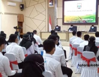 Bupati Sukabumi Angkat 193 CPNS, Ade Suryaman : Bila Tidak Disiplin Bisa Dicoret