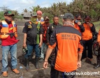 SAR Cari Korban Tenggelam di Perairan Cikaso Tegalbuleud