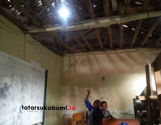 Miris! Kondisi Madrasah Diniyah di Desa Sukaresmi Cisaat Rusak