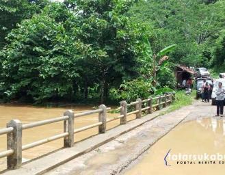 Banjir Tahunan di Kawasan Geopark Ciletuh, Rombongan Saba Desa Bupati Sukabumi Tertahan