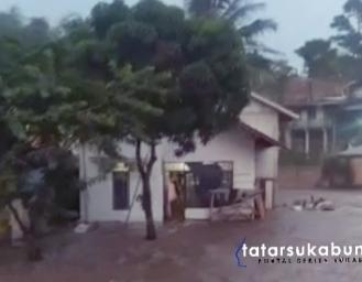 Sungai Cicatih Sukabumi Kembali Meluap Banjir Terjang Rumah Warga di 2 Desa Cicurug