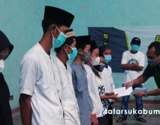 My Ramadan My Charity Perusahaan Oli Asli Indonesia Evalube di Ujunggenteng Sukabumi