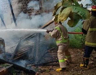 2 Rumah di Sagaranten Sukabumi Terbakar