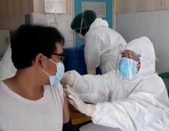 Tenaga Kesehatan Puskesmas Sekarwangi : Tenang dan Merasa Aman Setelah Menerima Vaksin Covid-19