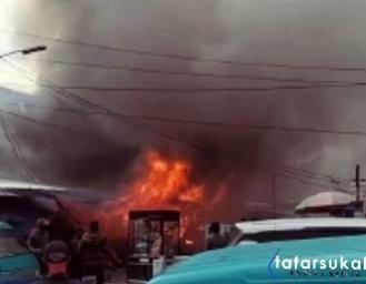 Pasar Penampungan Sementara Cibadak Terbakar