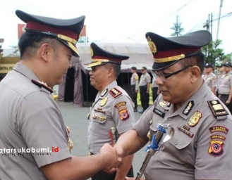 34 Tahun Mengabdi 2 Perwira Polres Sukabumi Kota Naik Pangkat