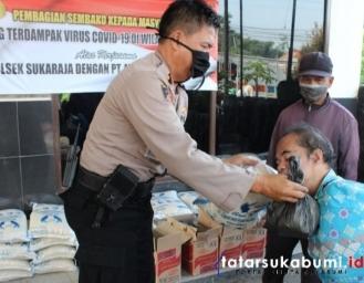 Polsek Sukaraja Bagi Paket Sembako Ojek dan Tukang Parkir