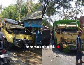 Tabrakan Adu Banteng 2 Truk di Jalan Raya Sukabumi - Palabuhanratu