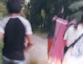 Masih Ada di Sukabumi Warga Tandu Orang Sakit 7 Kilometer Menuju Puskesmas
