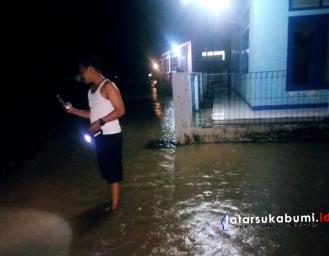 4 Ekor Kerbau Hilang Terseret Banjir Sungai Cimandiri