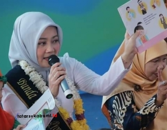 Atalia Praratya Kamil Blusukan di Sukabumi