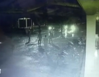 Diduga Gerombolan Motor Serang Warga Terekam CCTV di Sukabumi