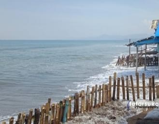 Terjangan Gelombang Tinggi Laut Palabuhanratu Warga Minta Pemecah Gelombang