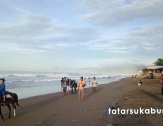 Pasca Banjir Rob Terjang Pesisir Pantai Palabuhanratu Sukabumi