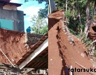 Tebing Ambruk 4 Rumah Warga Jampang Tengah Terancam