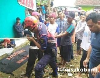 Tim Rescue Damkar Evakuasi Jenazah Dalam Sumur di Cidahu Sukabumi