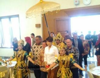 Ning Wahyu Kembali Dilantik Menjadi Ketua APINDO Sukabumi Periode 2019 - 2024